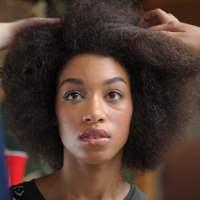 Cheveux naturels : idées coiffure pour les fêtes de fin d'année